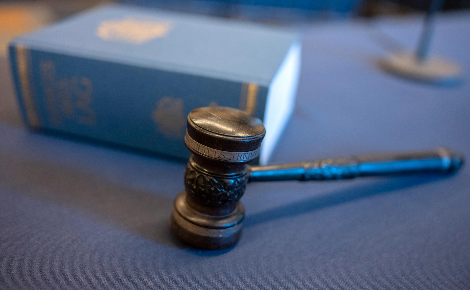 En man åtalas för grovt barnpornografibrott. Arkivbild.