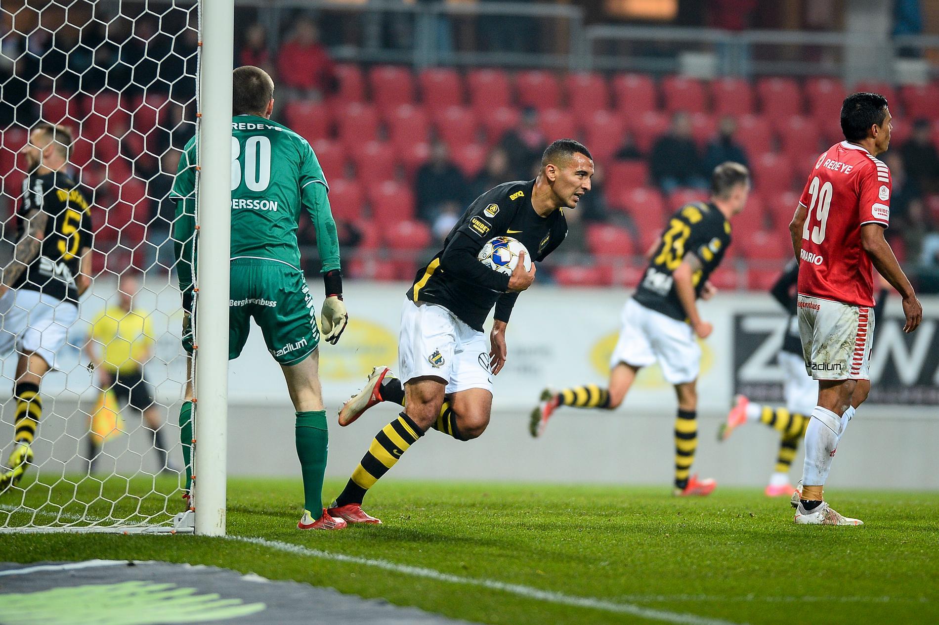 Nabil Bahoui efter att ha gjort 1–1-målet mot Kalmar.