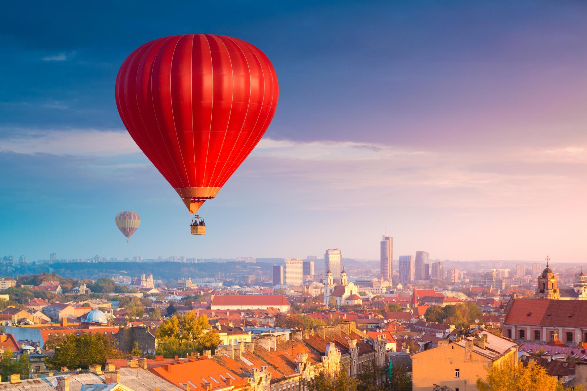 Far & Wide beskriver Vilnius som en underskattad stad.