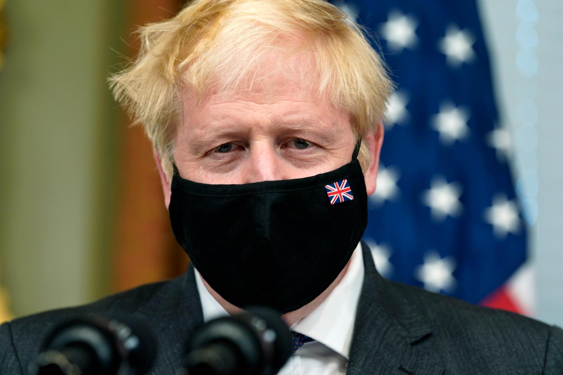 """Storbritanniens Boris Johnson ordleker på """"frangelska"""" och uppmanar Frankrike att lugna ner sig och ge honom en chans. Arkivbild."""