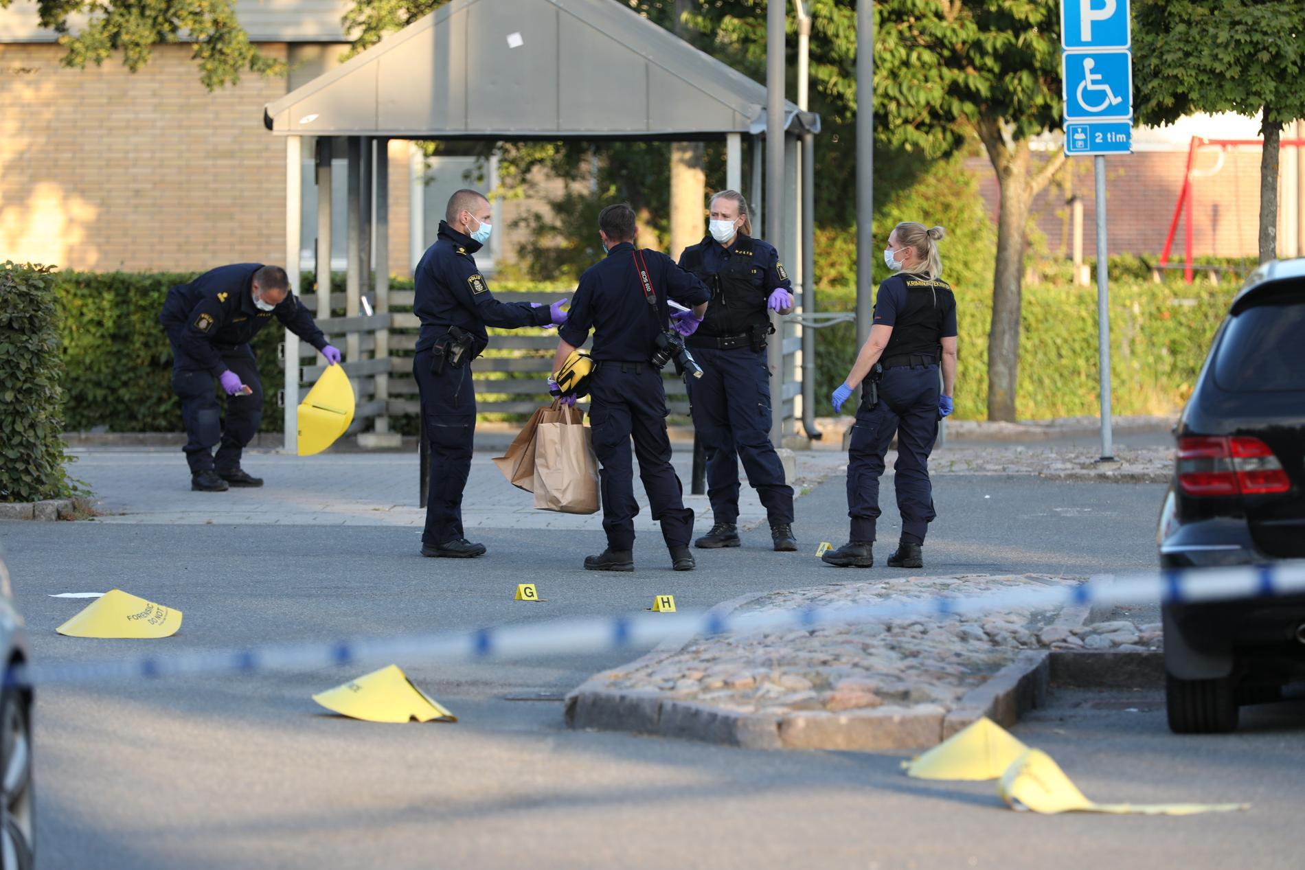 Polisen på plats i Kristianstad på tisdagen.