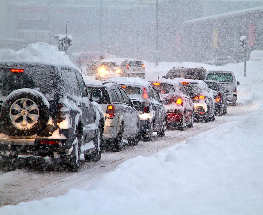 Vinterkylan kan spela din bil många spratt.