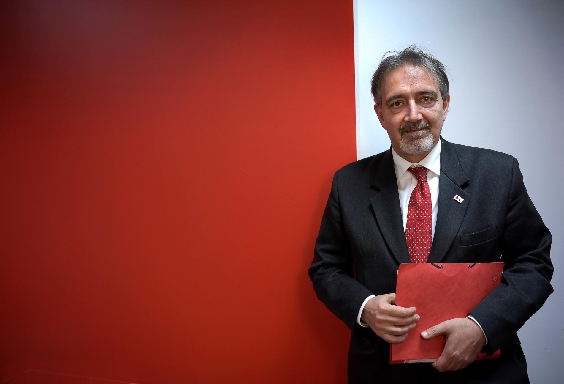 Francesco Rocca, ordförande för Internationella rödakorsfederationen, på besök i Sverige, här på svenska Röda Korsets kontor på Hornsgatan i Stockholm.
