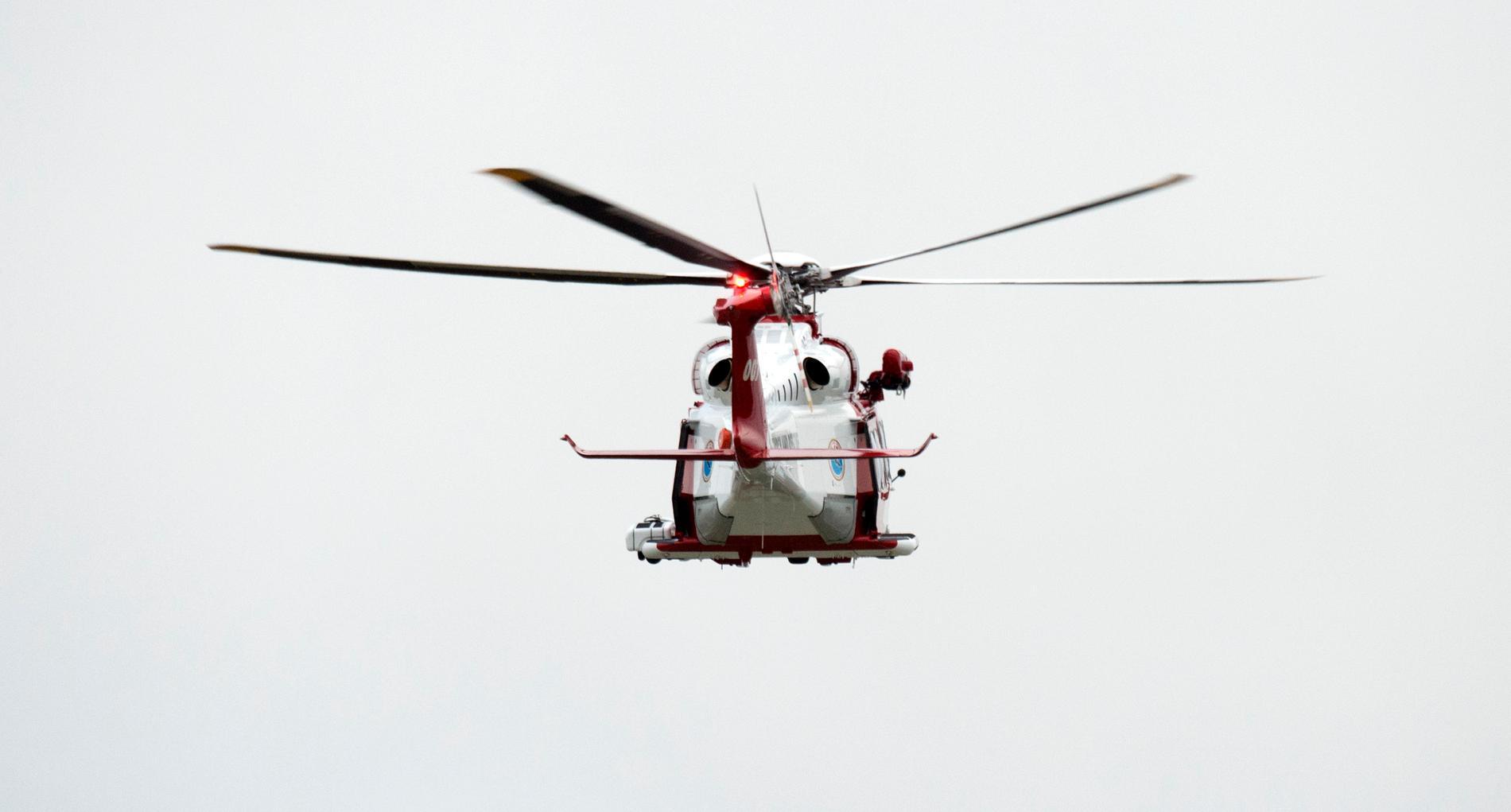 Sjöfartsverket deltog i sökandet med hjälp av räddningshelikopter. Arkivbild.