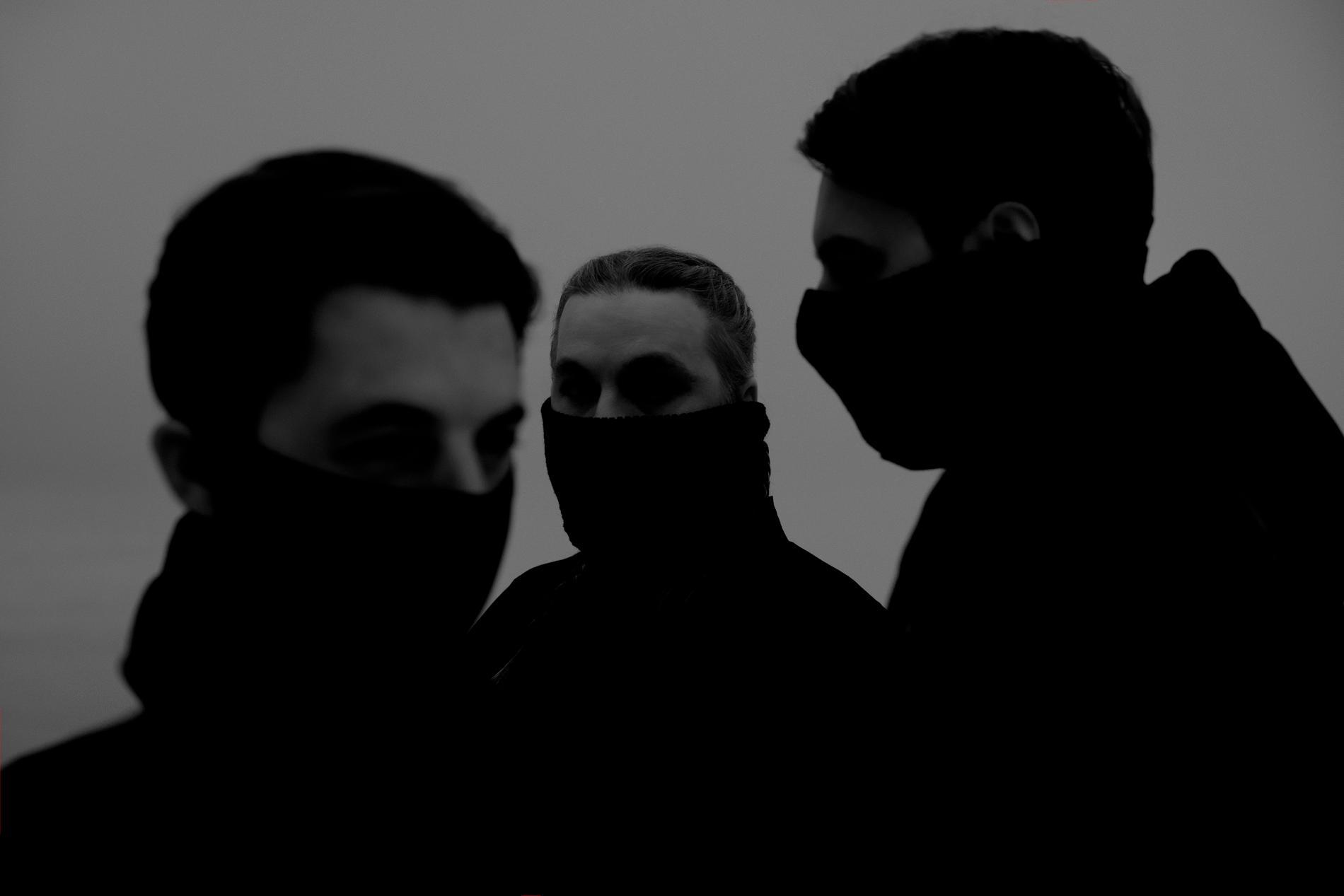 Swedish House Mafia är inte direkt subtila när de försöker kommunicera att nya singeln har ett lite mörkare sound.