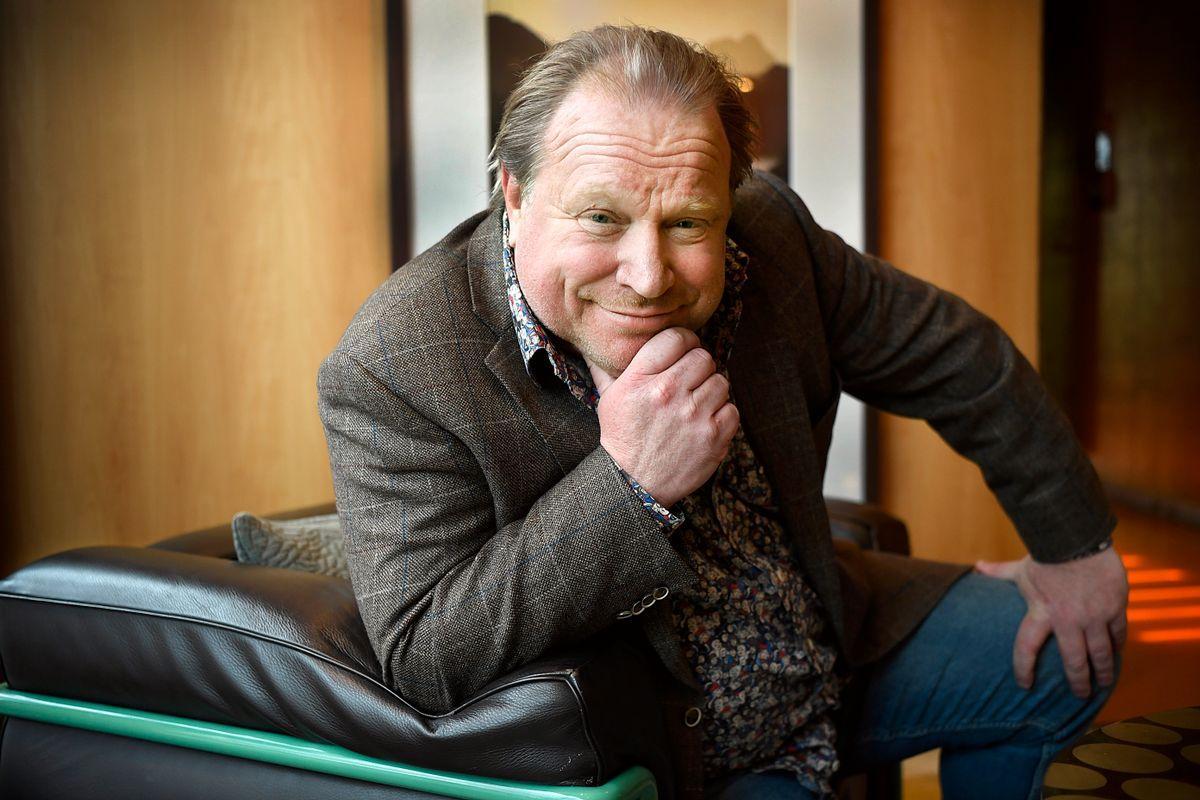 Claes Malmbergs visa i Parlamentet på TV4 avhumaniserar människor i förorten