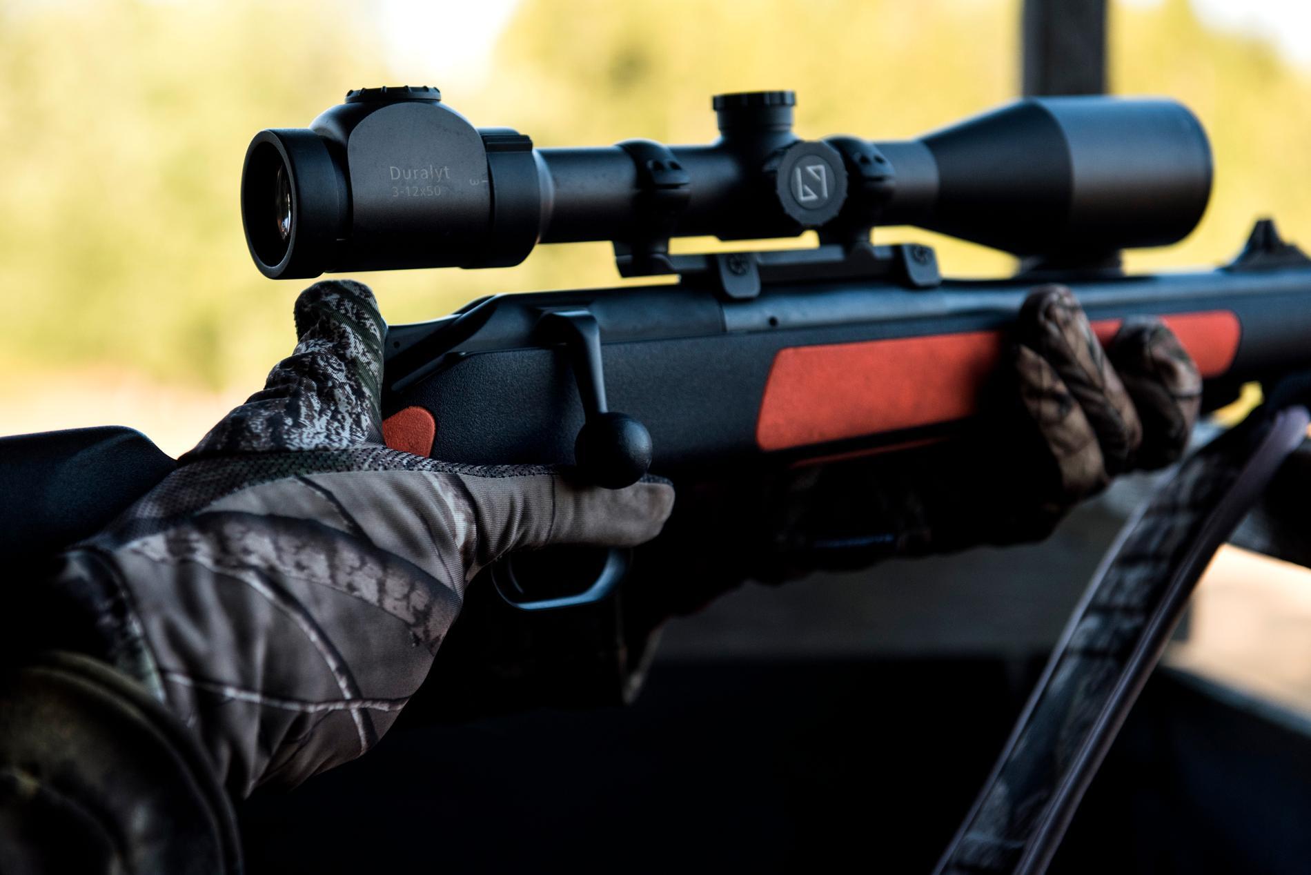 En man har blivit skottskadad i samband med jakt norr om Härnösand. Arkivbild.