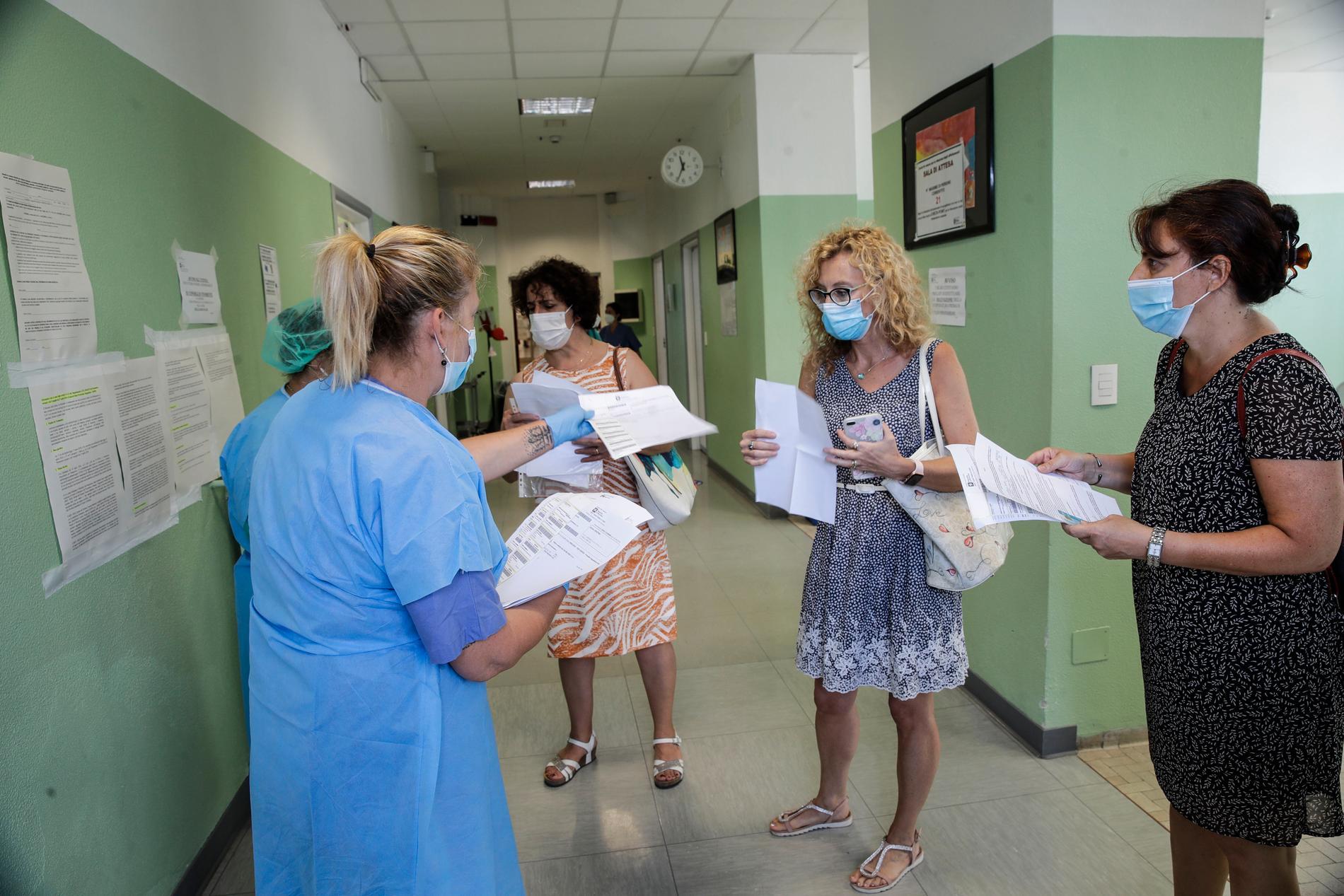 Även i Italien har antalet smittade ökat igen. Bild från San Carlo-sjukhuset i Milano.