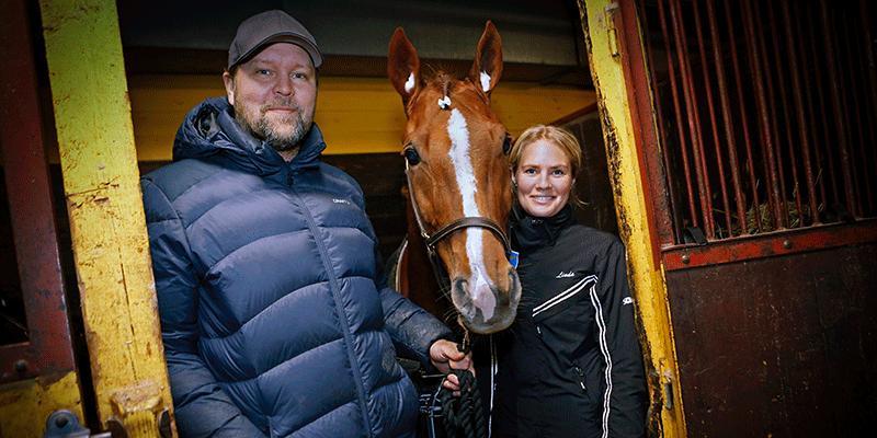 Magnus Jernemyr och Linda Sedström med hästen Final Dream som kusken vann Dam-SM med 2018.