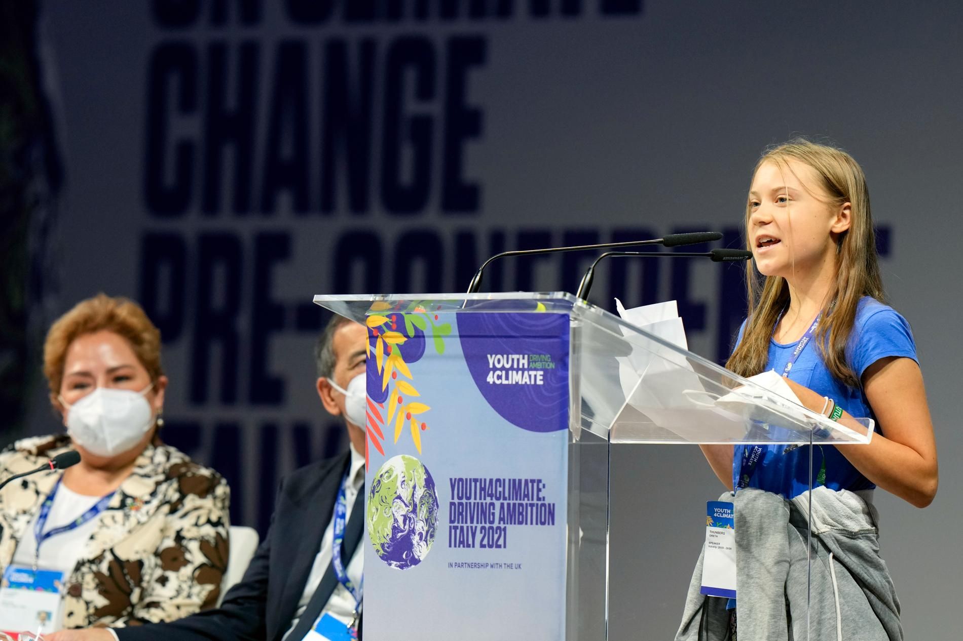 Greta Thunberg under sitt tal i Milano.