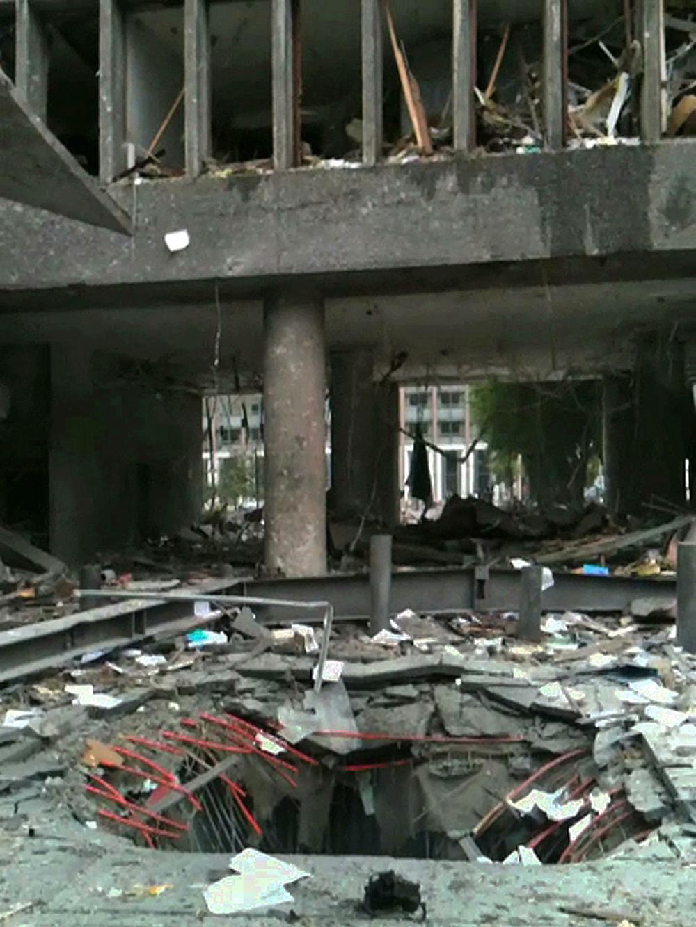 Hålet i marken där terroristen Anders Behring Breivik parkerat bilen.