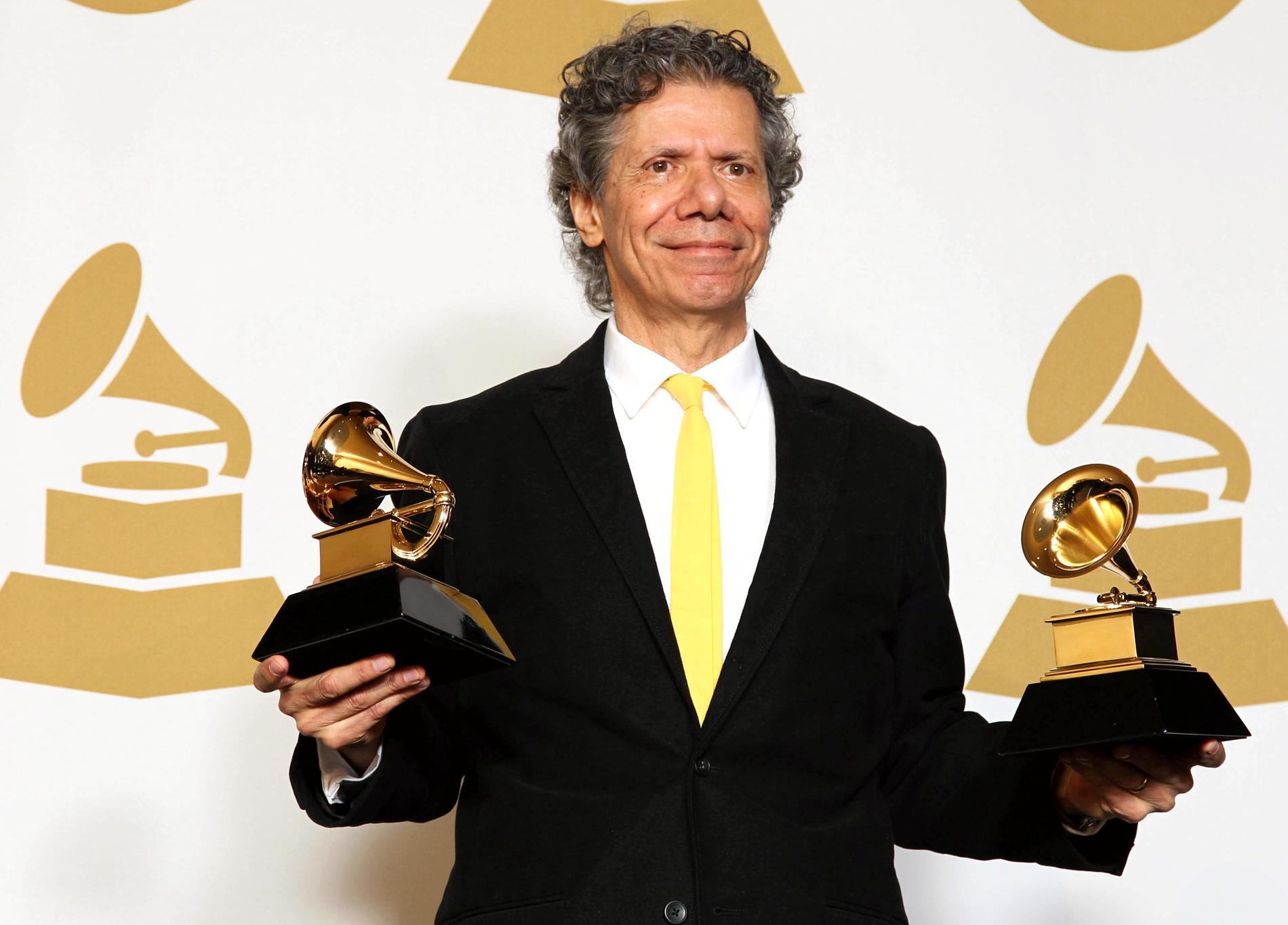 Chick Corea med två av sina Grammypriser 2015.