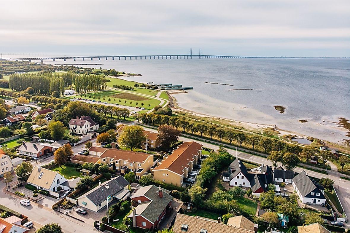 Radhus, 100 meter från havet i Limhamn.