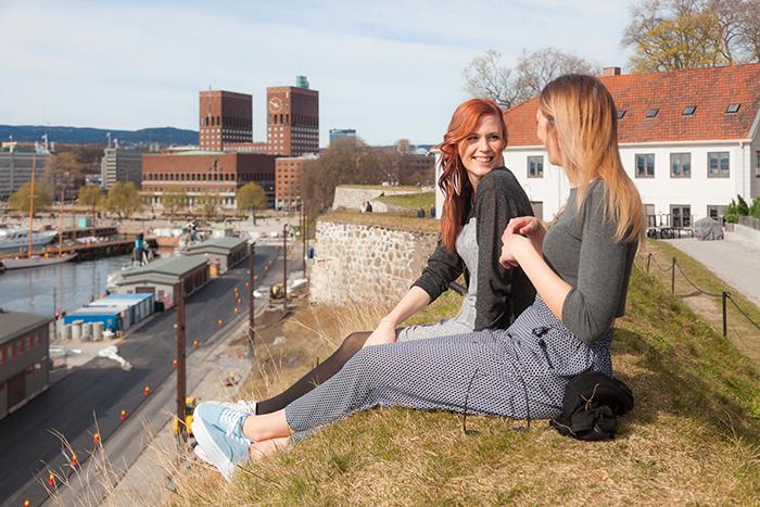 Jo, det går att semestra billigt i Oslo. Här finns både hotell som är budgetpärlor, nya gallerier och härlig utsikt.
