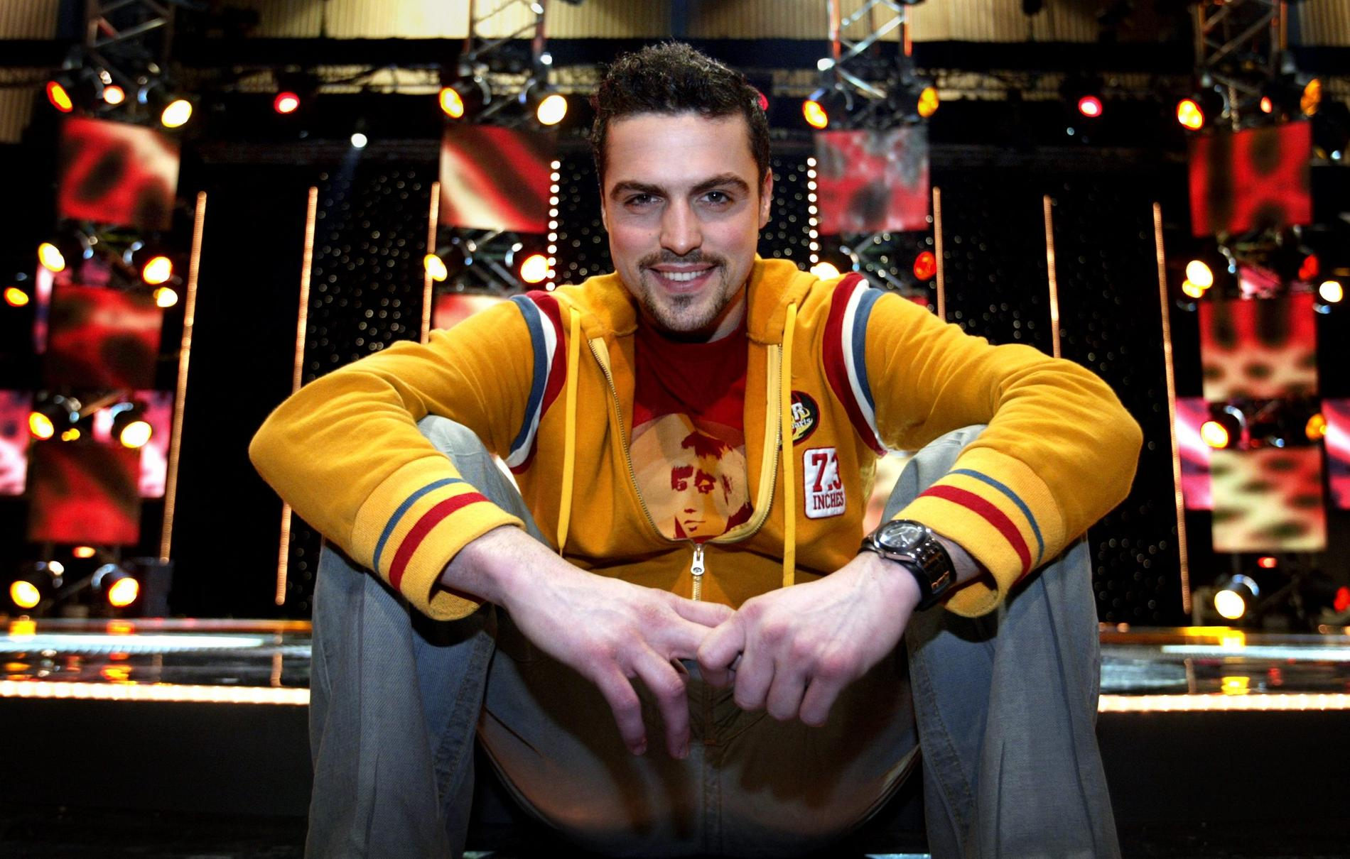 Andrés Esteche när han deltog i Melodifestivalen 2004.