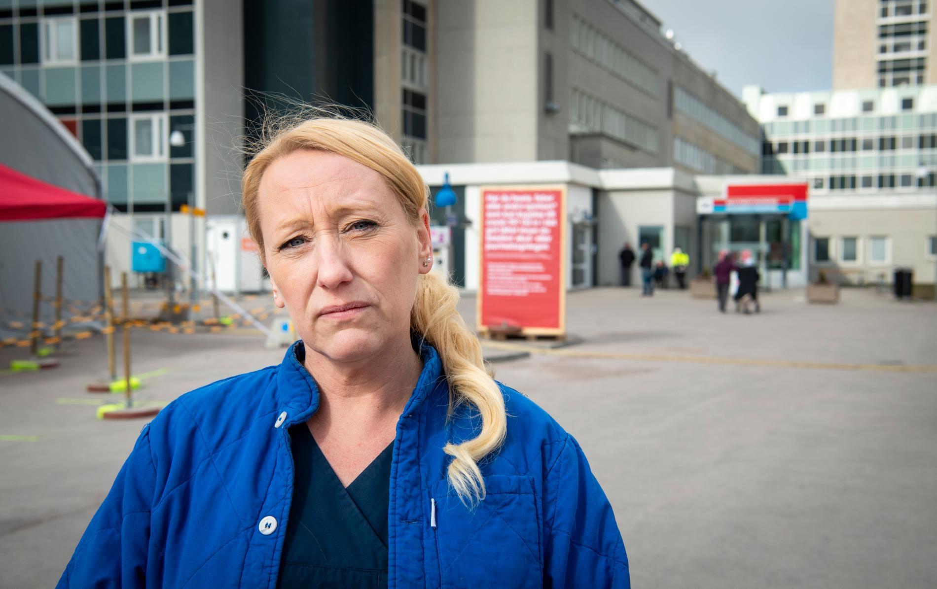 Undersköterskan Maria Valli jobbar på akutmottagning på Västmanlands sjukhus i Västerås