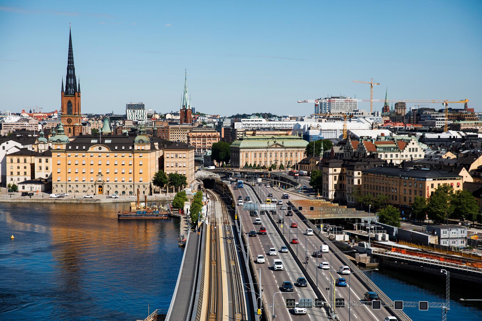 Många har en helt felaktig uppfattning om hur det är att bo i Stockholm, skriver Lena Mellin.