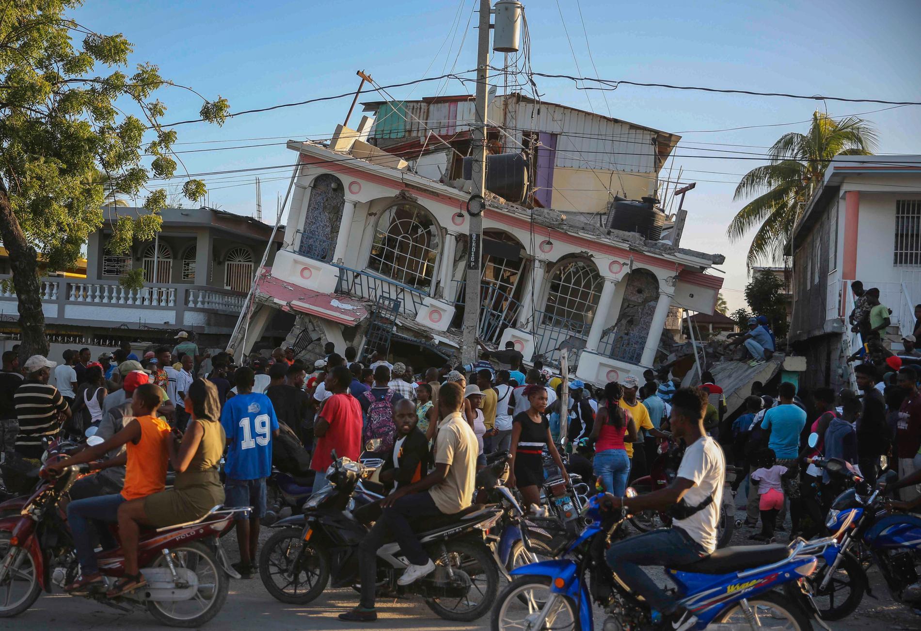 Hotel Petit Pas i Les Cayes på Haiti var en av många byggnader som förstördes i jordbävningen väster om huvudstaden Port-au-Prince.