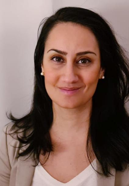 Zoha Saket, specialistläkare inom gynekologi och reproduktionsmedicin på Sahlgrenska universitetssjukhuset.