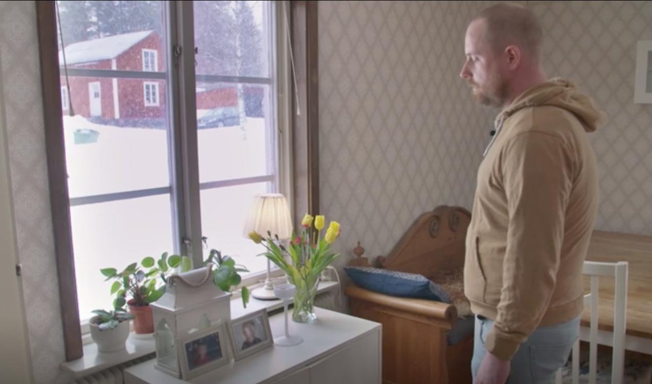 """Trebarnspappan Johan får hjälp i veckans avsnitt av """"Lyxfällan""""."""