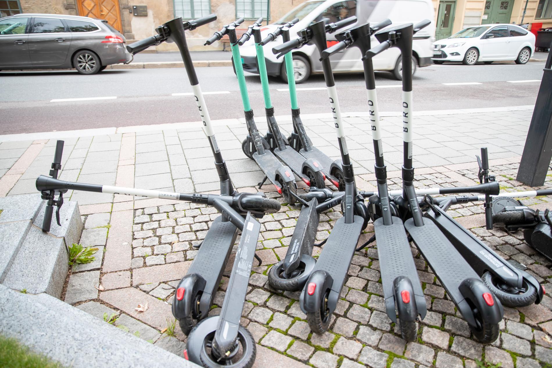 En ny svensk app ska stoppa felparkerade elsparkcyklar. Arkivbild.