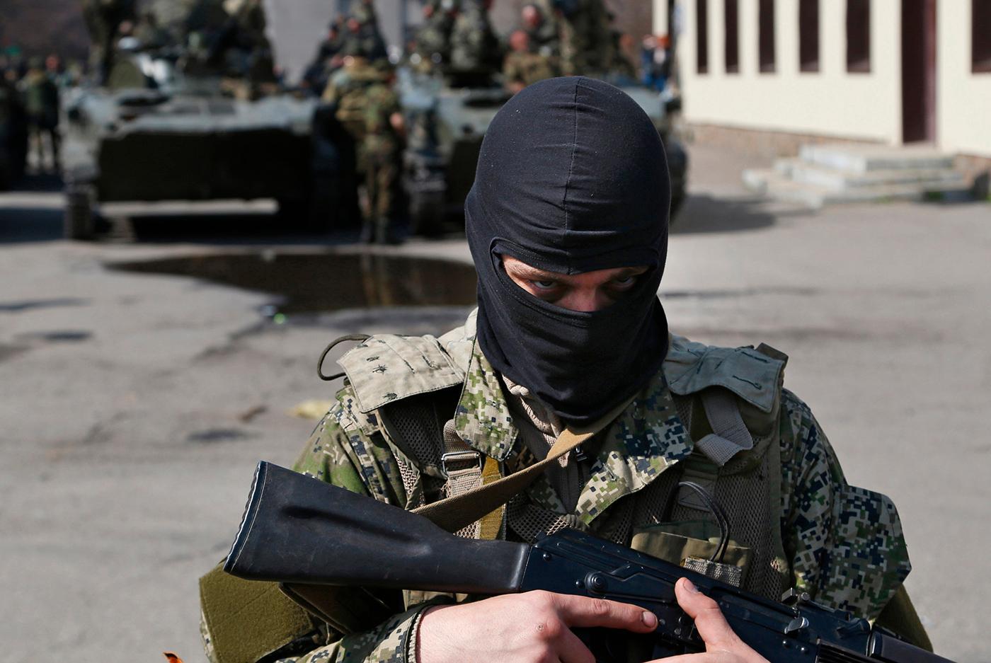 """De """"små gröna männen"""" på Krim var en central del av Rysslands propagandakrig mot väst."""