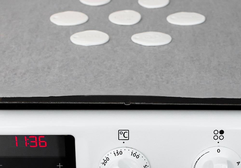 Leran behöver härdas i 130 grader i 30 minuter.