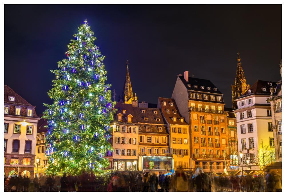 Strasbourgs vackra centrum är perfekt som kuliss till julmarknadern