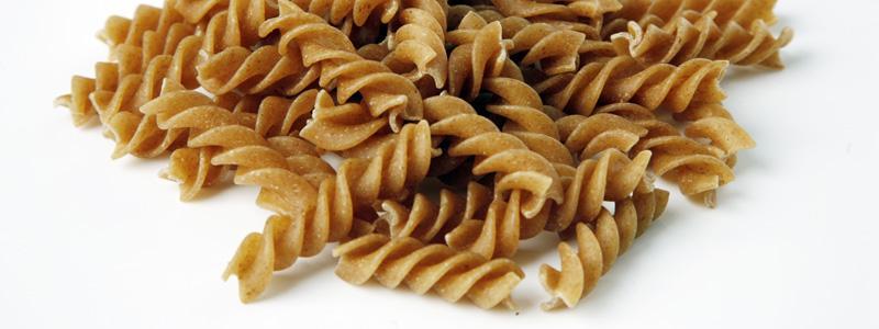 Satsa på fullkornspasta – ett enkelt sätt att få i sig mer fibrer.