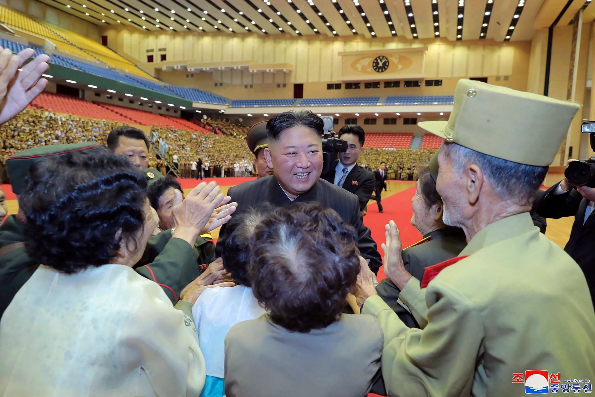 Nordkoreas ledare Kim Jong-Un under en veterankonferens i huvudstaden Pyongyang den 29 juli.