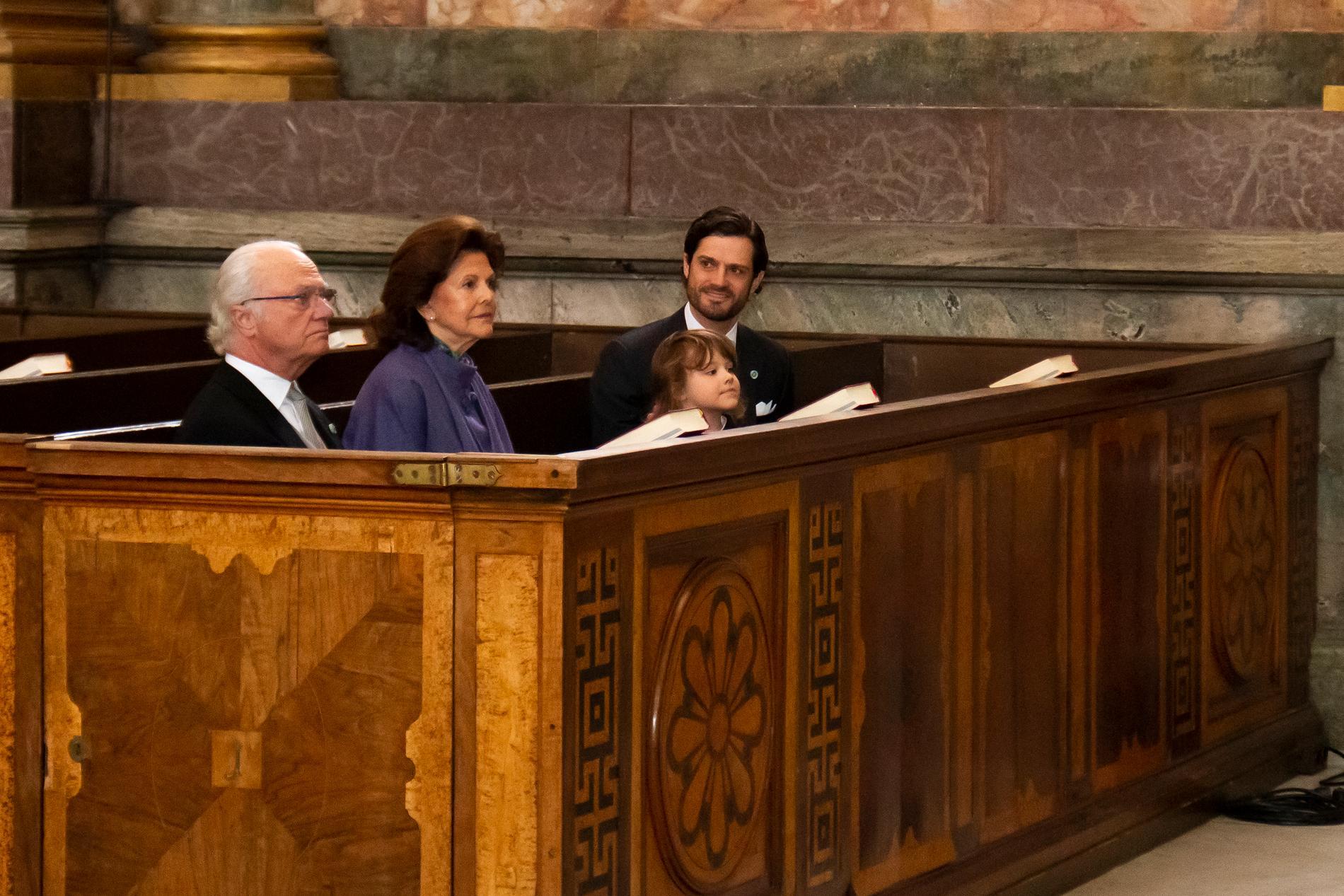 Kung Carl Gustaf, drottning Silvia, prins Alexander och prins Carl Philip i Slottskyrkan.