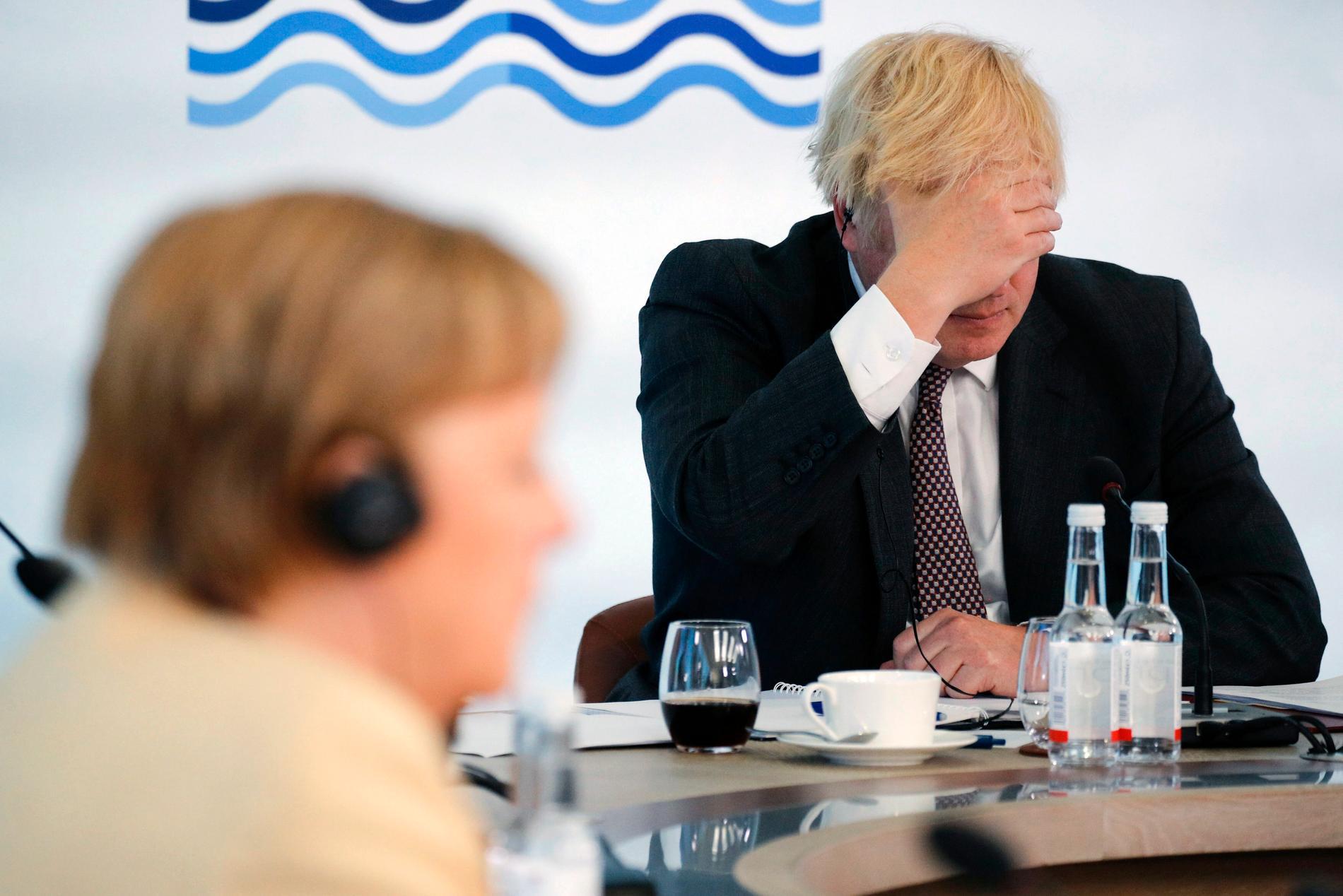Storbritanniens premiärminister Boris Johnson tillsammans med Tysklands förbundskansler Angela Merkel vid G7-mötet i Carbis Bay, England den 13 juni. I juli möts de båda på nytt.