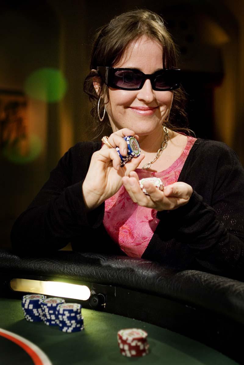 Skådespelare – och pokerspelare Magdalena in de Betou har röstats fram till Sveriges bästa kvinnliga spelare i konkurrens med Lina Olofsson och Birgitta Johansson, som också var nominerade.