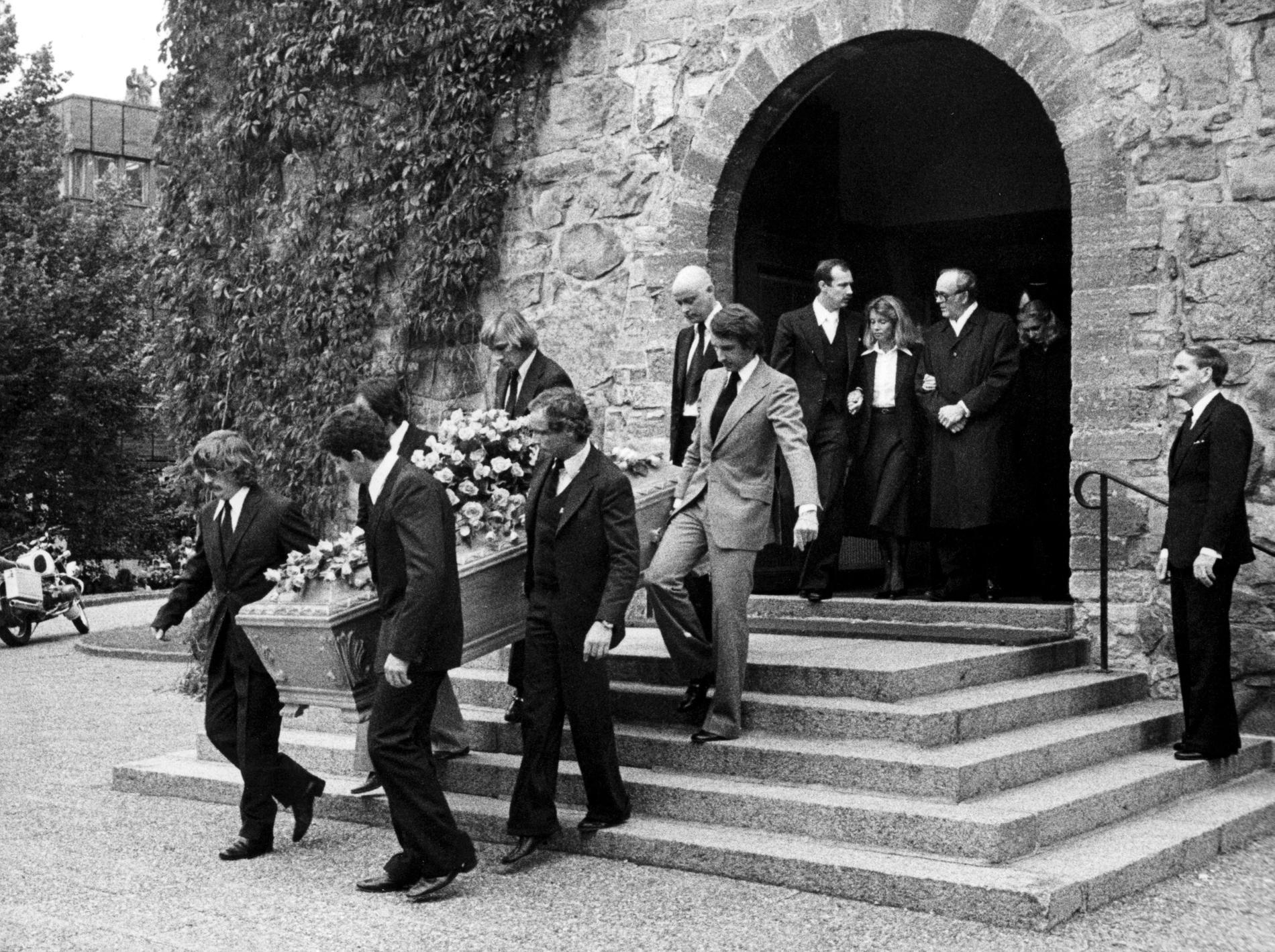 Ronnie Petersons begravningsgudstjänst hölls i Nicolaikyrkan i Örebro, 1978. Kistan bars ut av Åke Stranberg, Emmerson Fittipaldi, Jody Scheckter, James Hunt, Niki Lauda och John Watson. Arkivbild.