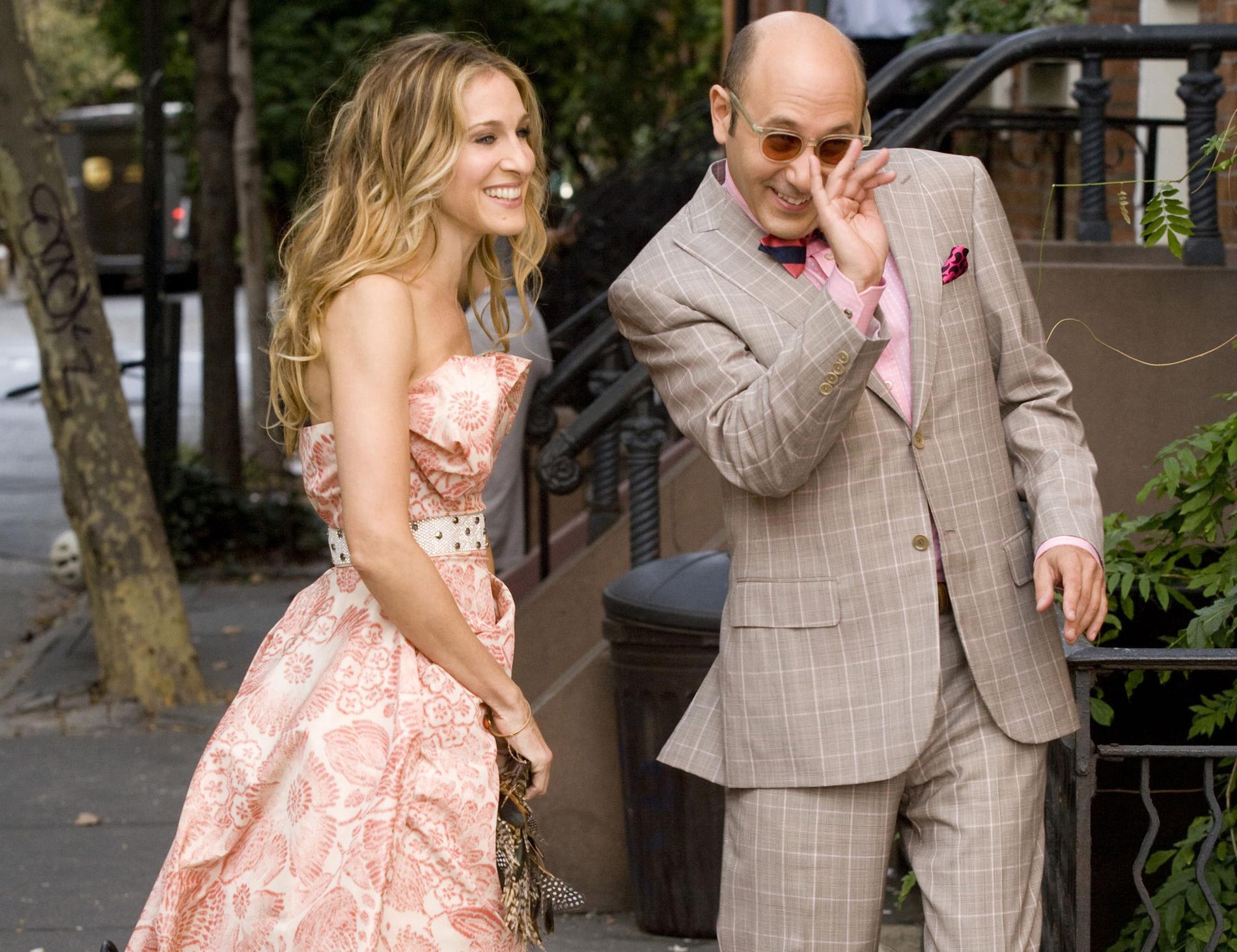 """Sarah Jessica Parker och Willie Garson som Carrie Bradshaw och Stanford Blatch i """"Sex and the city - the movie""""."""