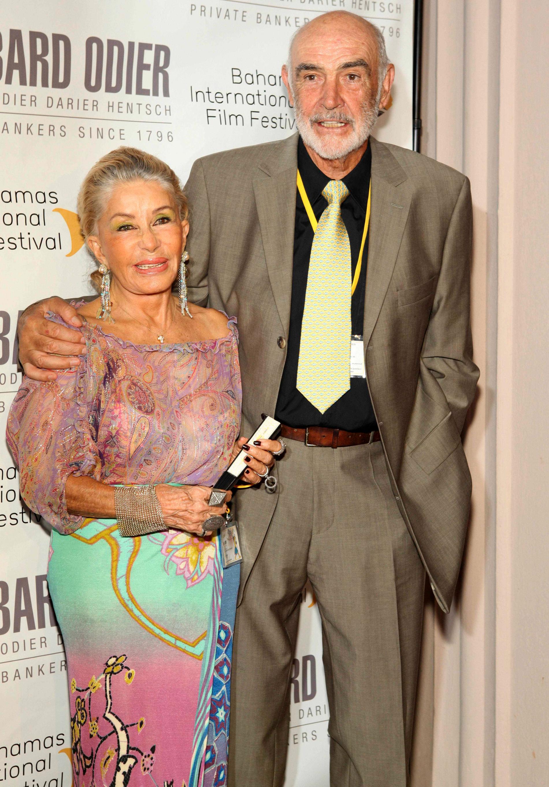 Sean Connery tillsammans med hustrun Micheline Roquebrune Connery. Bilden från 2009.