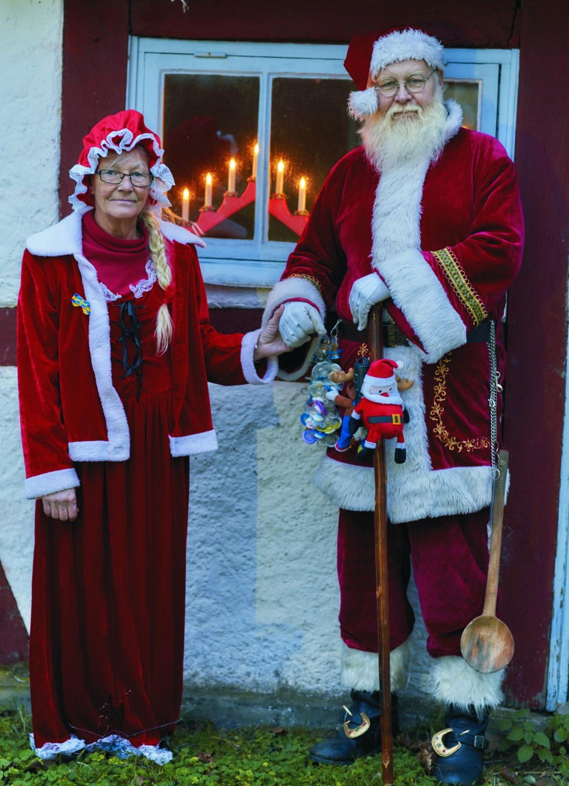 Sedan en lång tid tillbaka är Leif även auktoriserad jultomte, vilket innebär att han är en del av Sveriges Tomtegille.