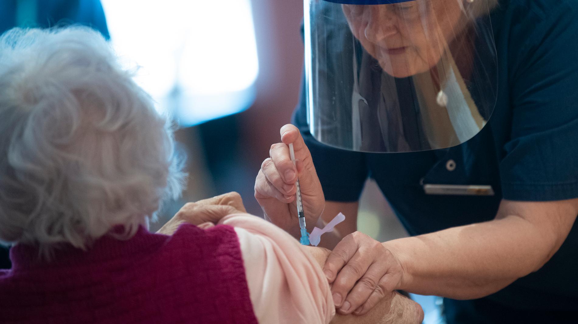 Flera äldre avled på äldreboenden i Överkalix – trots att de fått bra vaccin. Arkivbild.