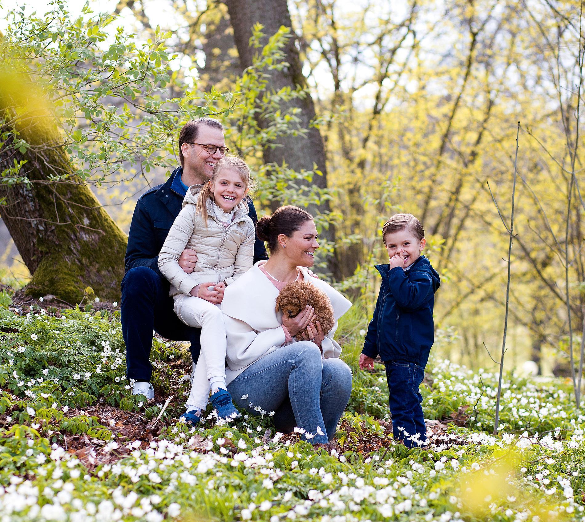 Familjens nya tillskott verkar ha fått ett kungligt mottagande.