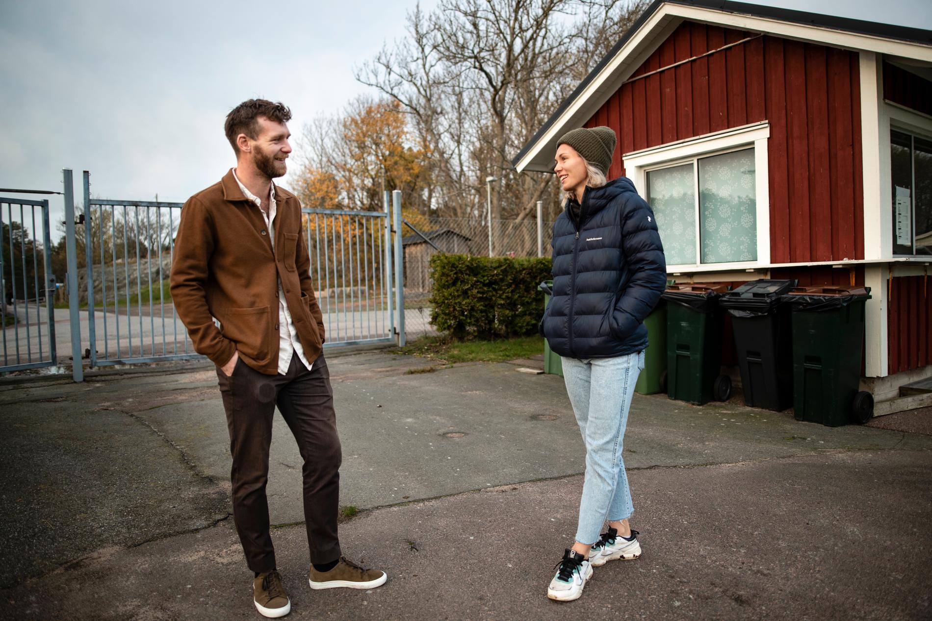 Patrik Falk, Jennifers bror som också är klubbchef i Torslanda IK.