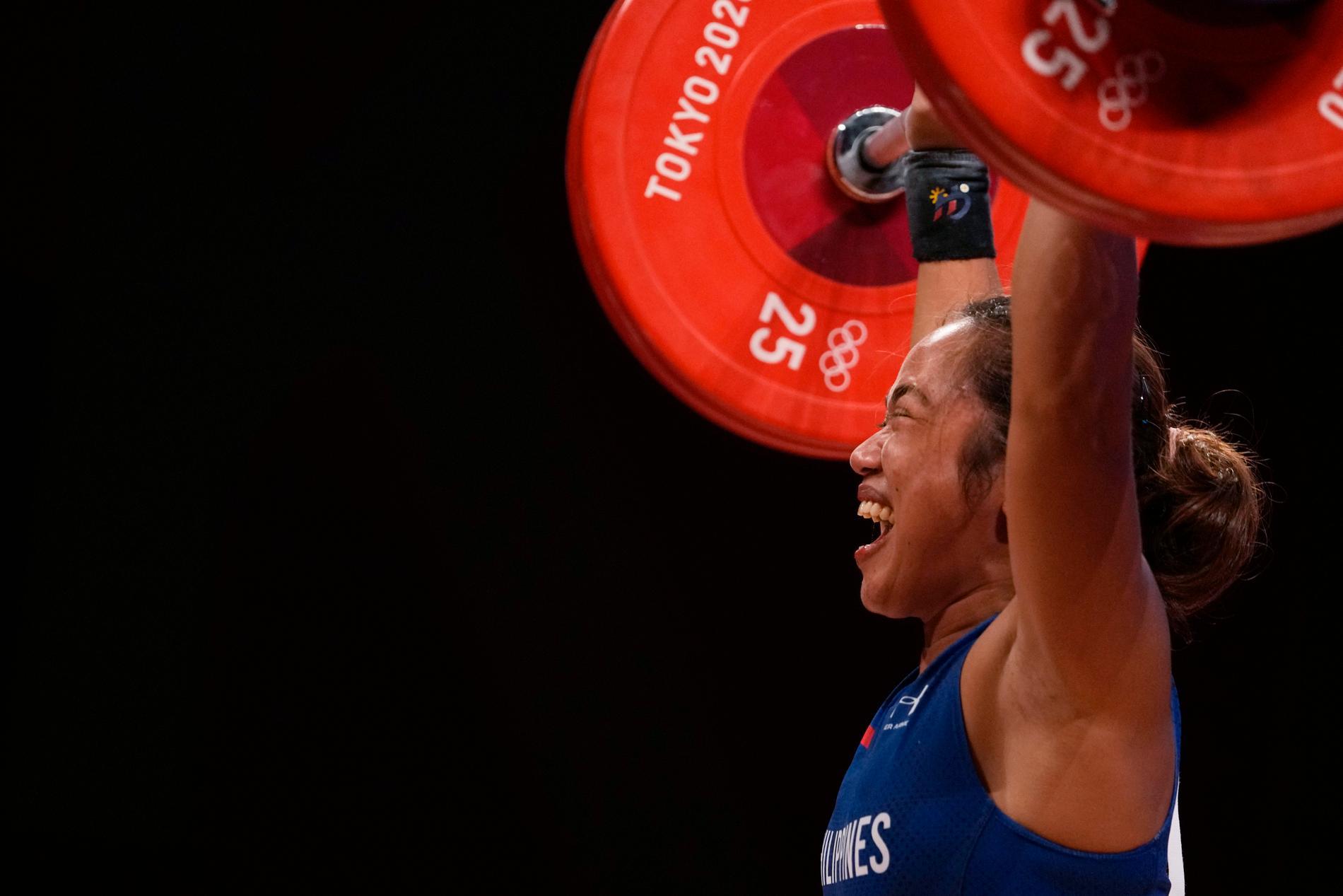 Hidilyn Diaz slog både OS-rekord och vann Filippinernas första OS-guld någonsin.