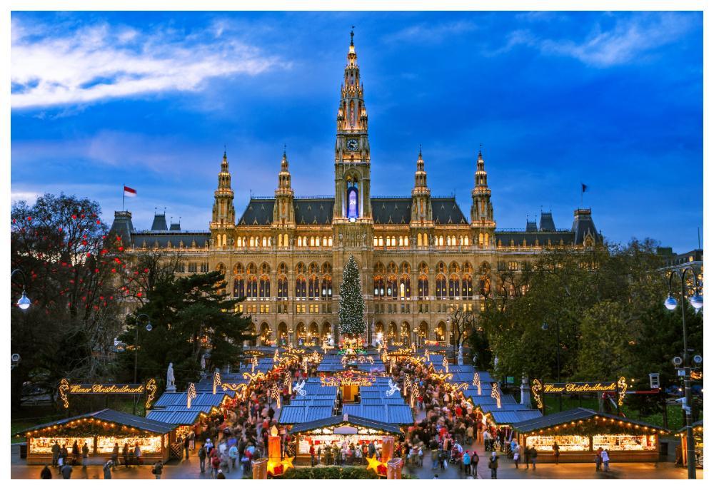 Wiens rådhus gör sig verkligen som fond till julmarknaden.