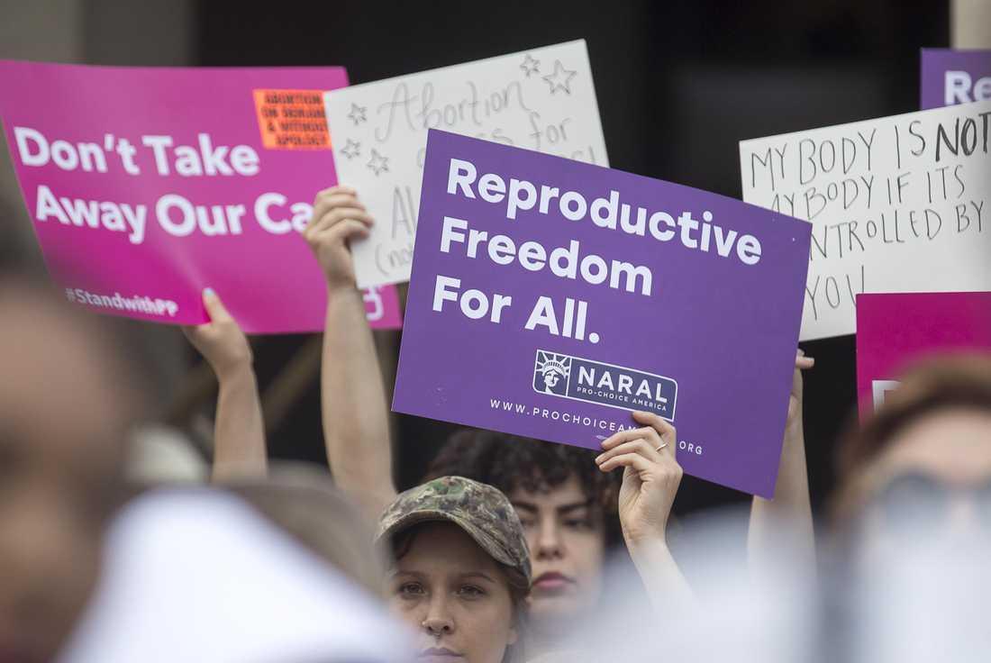 Delstaten Alabama har röstat igenom ett förslag som kan bli USA:s striktaste abortlag.  Så här säger svenska barnmorskorna om det hela.