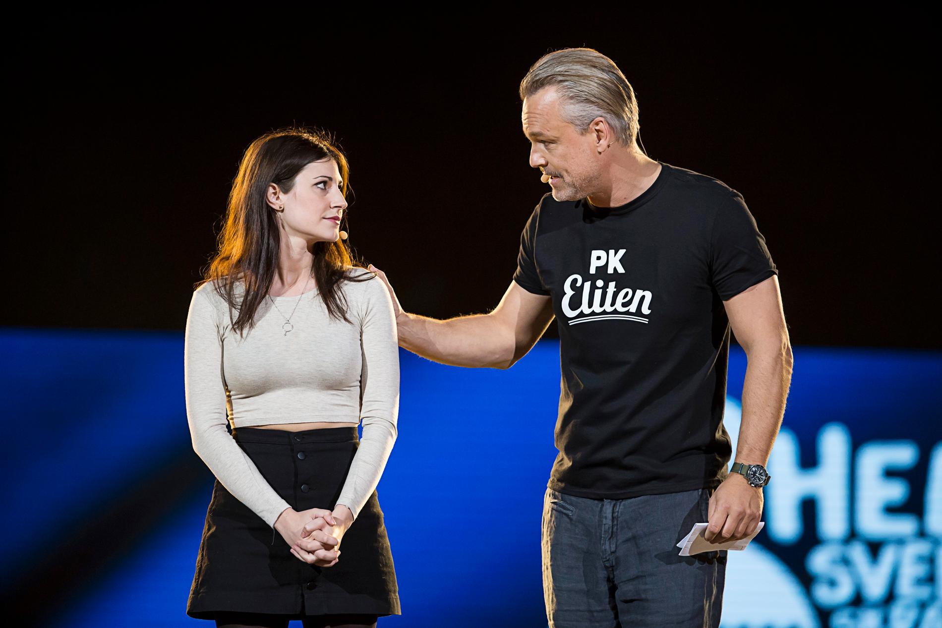 Nour El Refai med pojkvännen Henrik Schyffert.