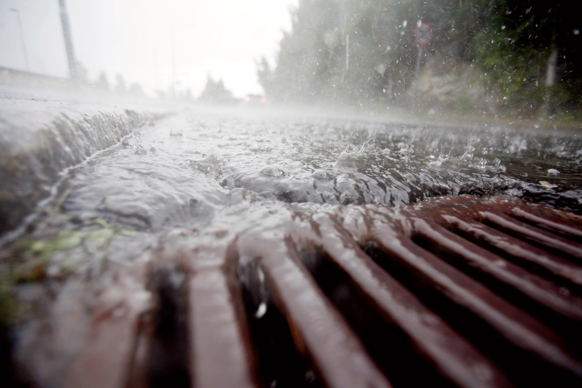 Risk för stora regnmängder på lördag.