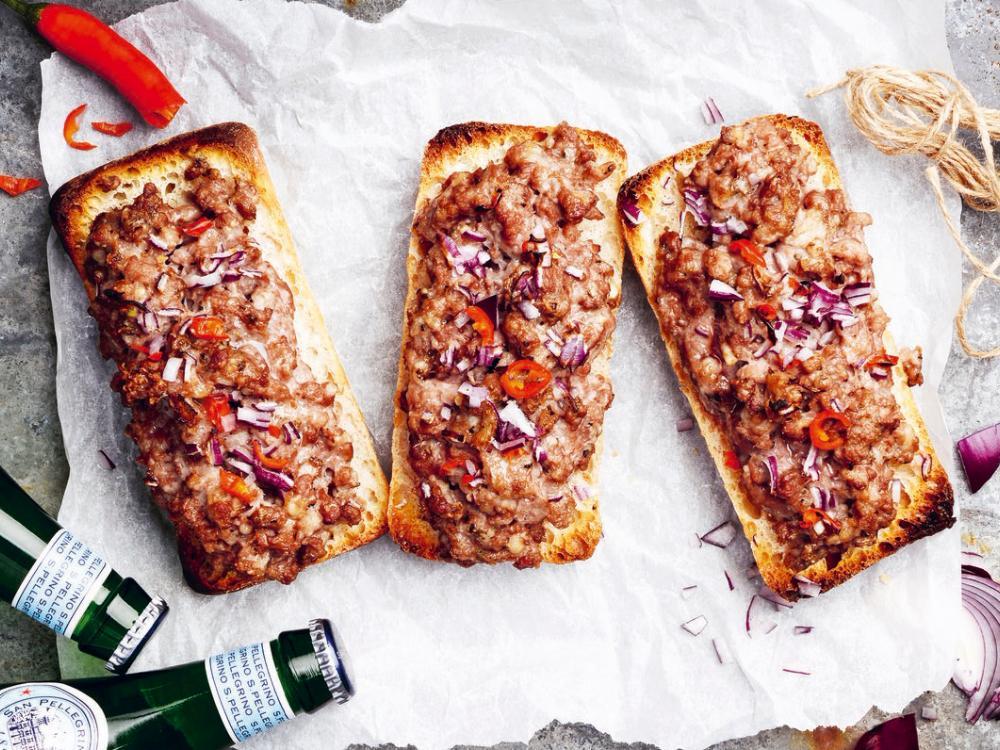 Varma smörgåsar med köttfärs
