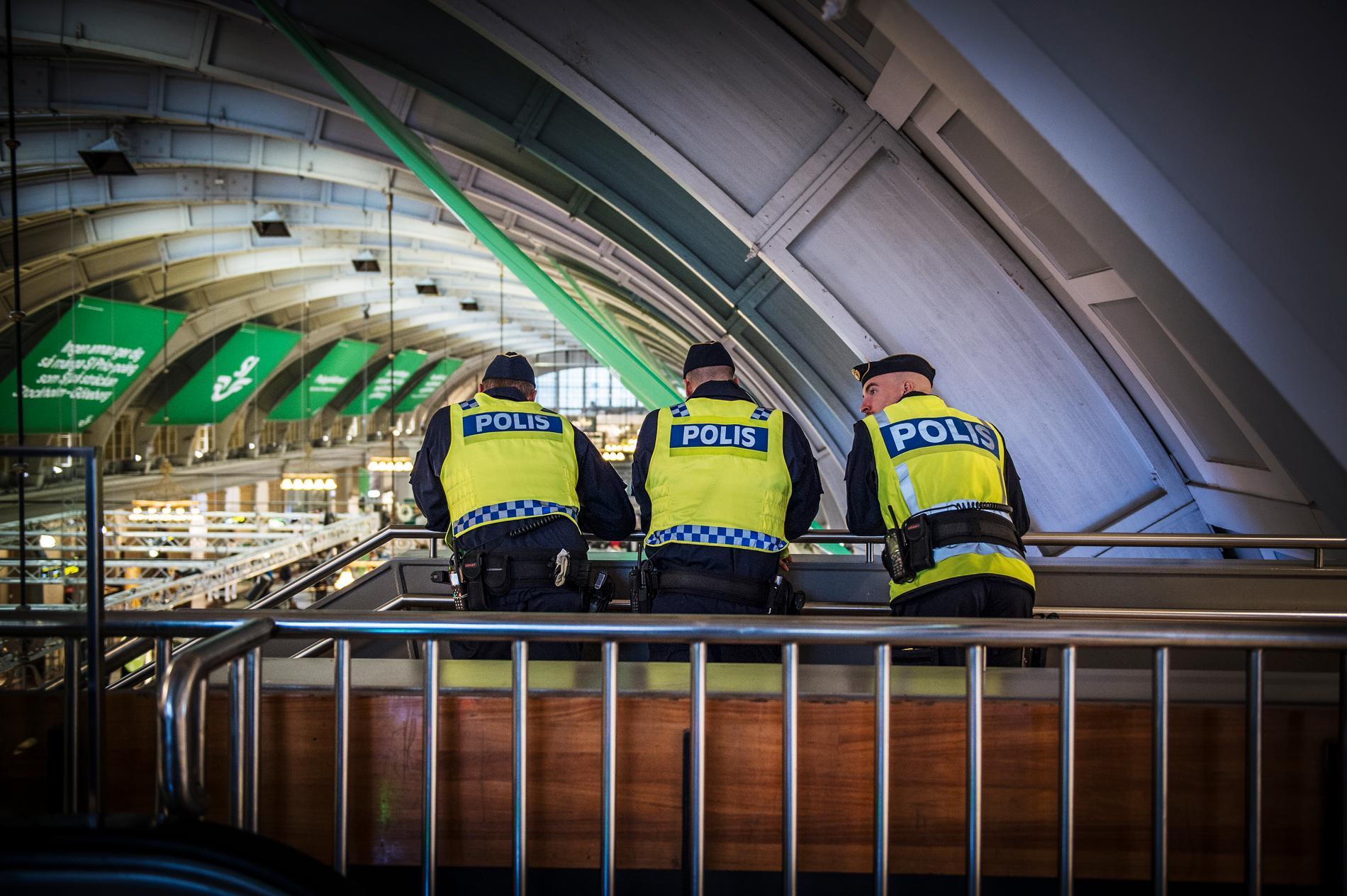 Många som väljer att inte anmäla tror att polisen inte kan göra något. Arkivbild.