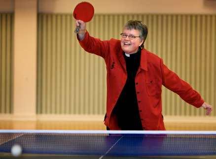 FLERA BOLLAR I LUFTEN Målet är detsamma i pingis som i tron - att vara närvarande, säger Anna Karin Hammar, den enda kvinna som är nominerad till veckans ärkebiskopsval.Det här är jag