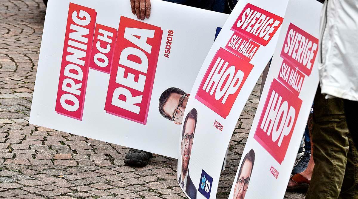 SD-affischer vid ett valmöte i Landskrona.