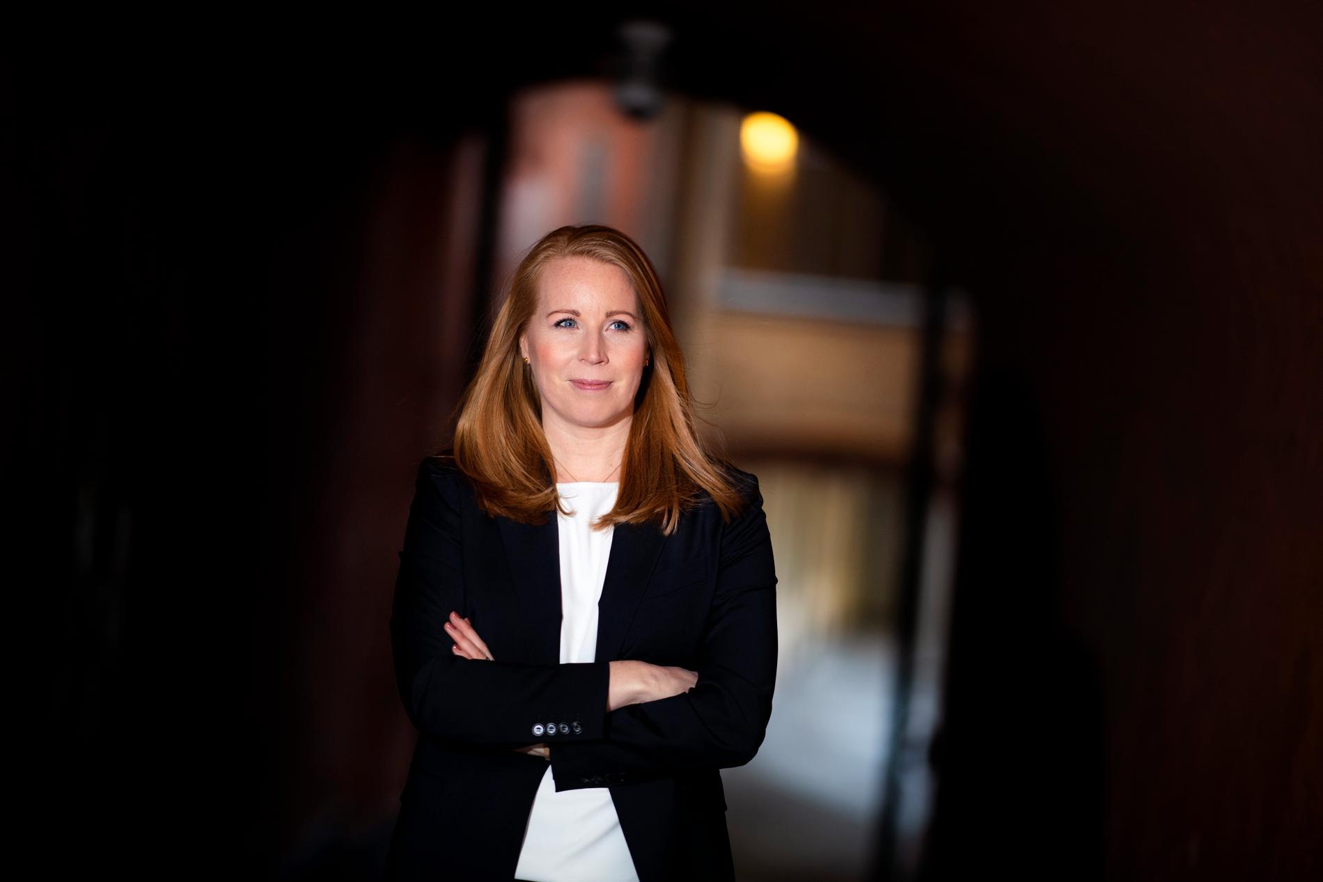 Centerns partiledare Annie Lööf har svårt att förstå det politiska vägval Liberalernas partiledning gjort.